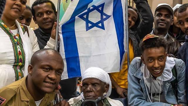 THE IGBOS AND THEIR CLAIMS OF JEWISH ORIGIN